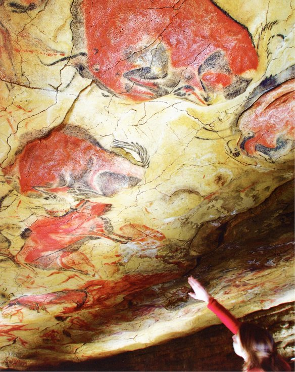 1-Réplica de pintura ruprestre del Salón de la Cueva de Altamira-metirta.online