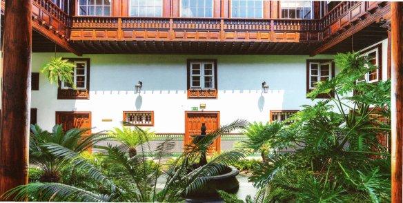 13-Patio de una casa colonial del centro histórico de San Cristóbal de la Laguna-metirta.online