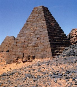 4-Pirámides de Meroe de la dinastía XXV