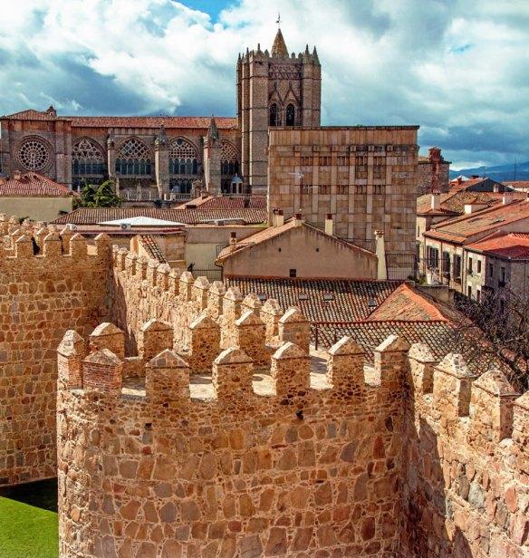 7-Vista de la muralla y de la catederal de Ávila