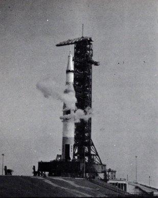 2- Cohete saturno V-metirta.online