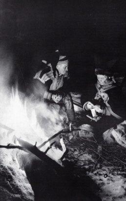 51-fuego ante la tienda-metirta