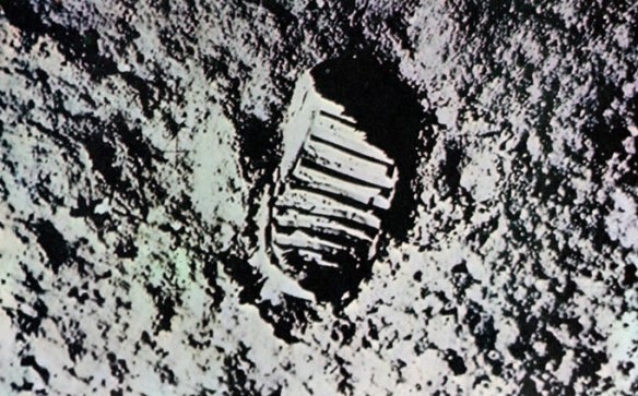 6-huella del primer paso de Armstrong-metirta.online