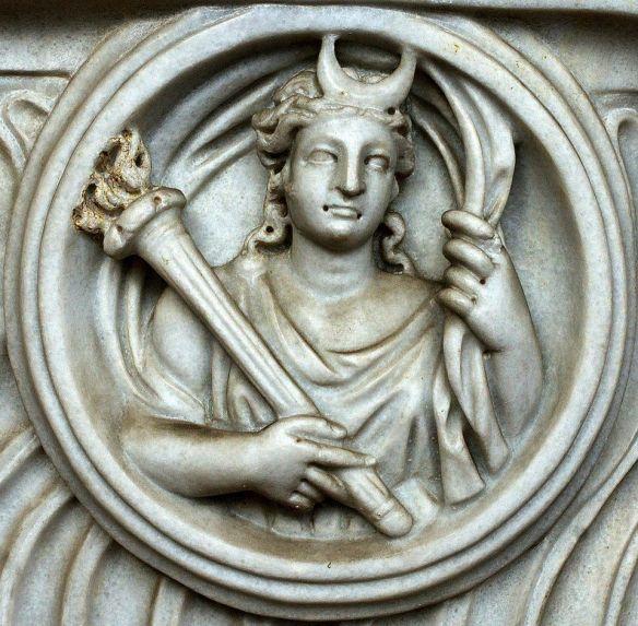 4-Selene, diosa griega de la luna