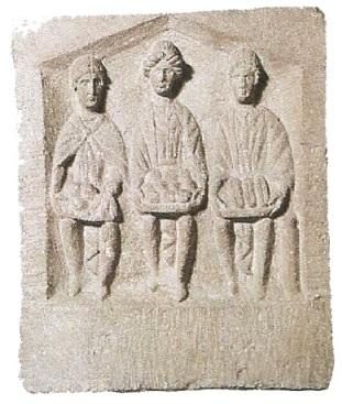 4- tríada de diosas de la guerra-metirta.online