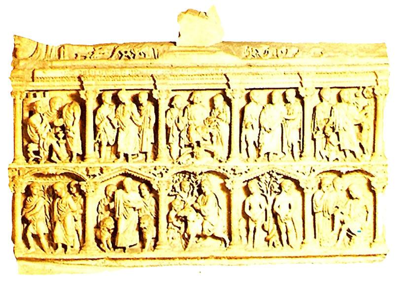 La imagen tiene un atributo ALT vacío; su nombre de archivo es 9-sarcofago-de-julio-basso.metirta.online.jpg